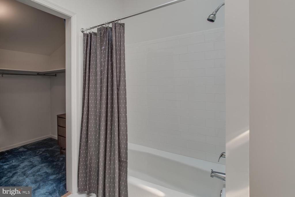 2nd Owner's Suite Bath & Closet - 8518 OLD DOMINION DR, MCLEAN