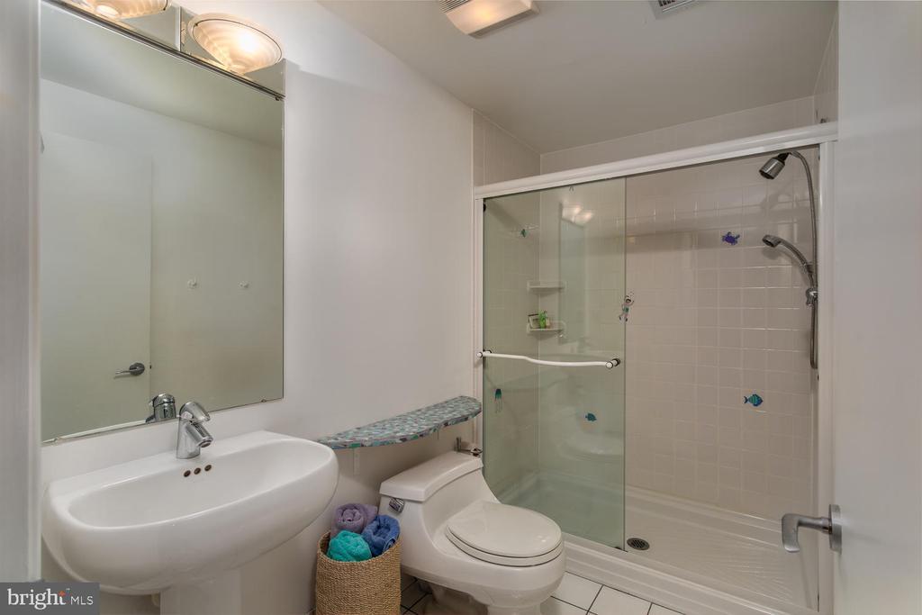 Full Bath (Basement) - 8518 OLD DOMINION DR, MCLEAN