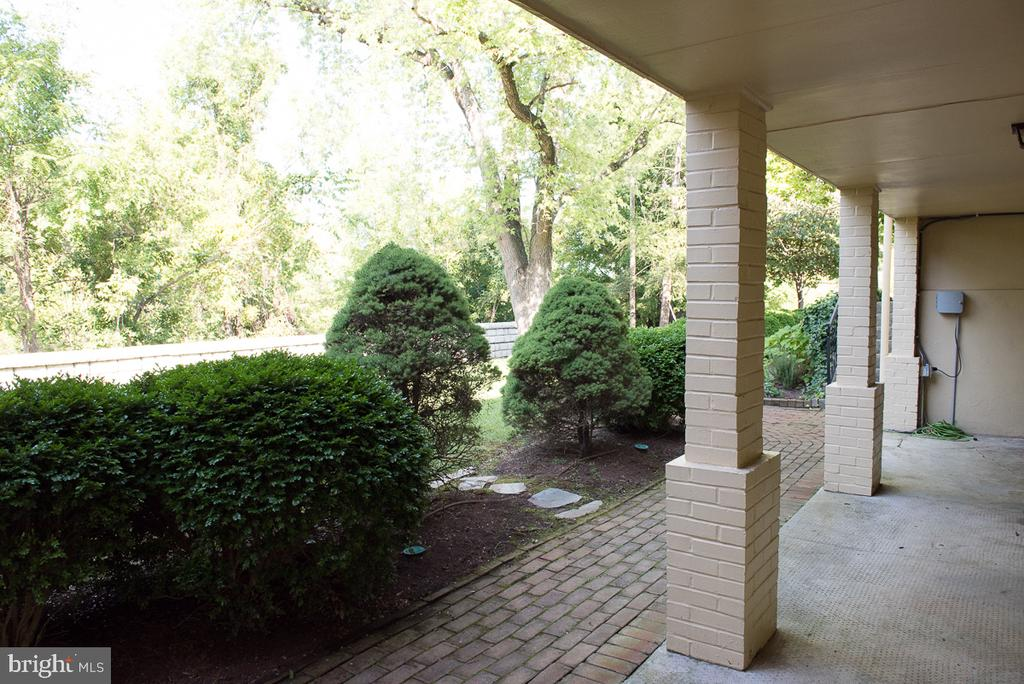 Brick walkways and covered access - 4142 GUARD HILL RD, FRONT ROYAL