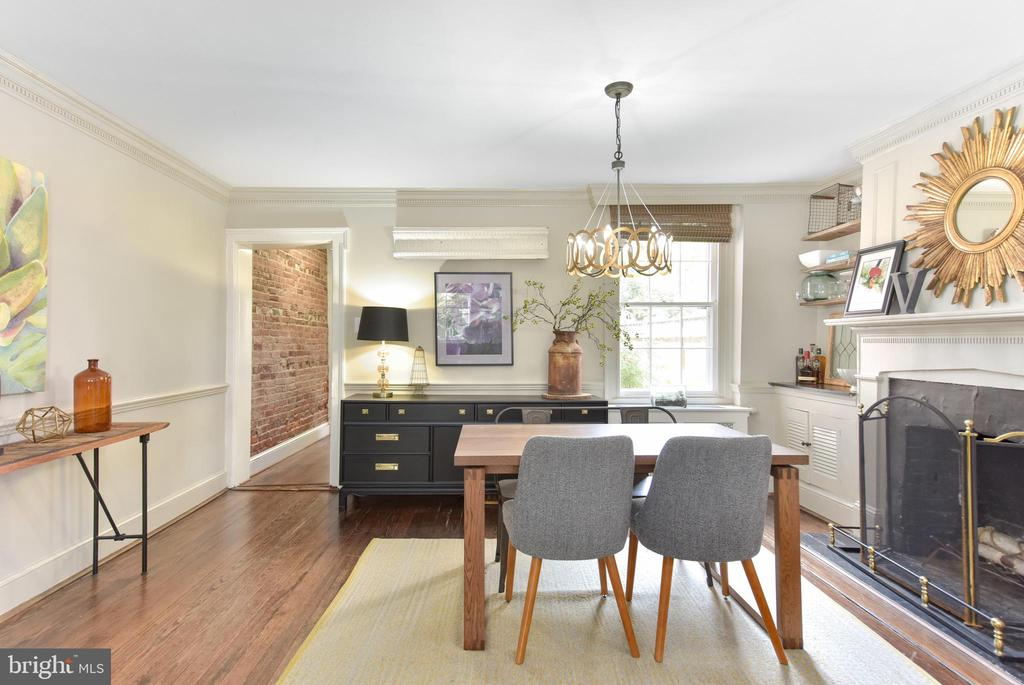 Dining room or large living room - 214 WOLFE ST, ALEXANDRIA