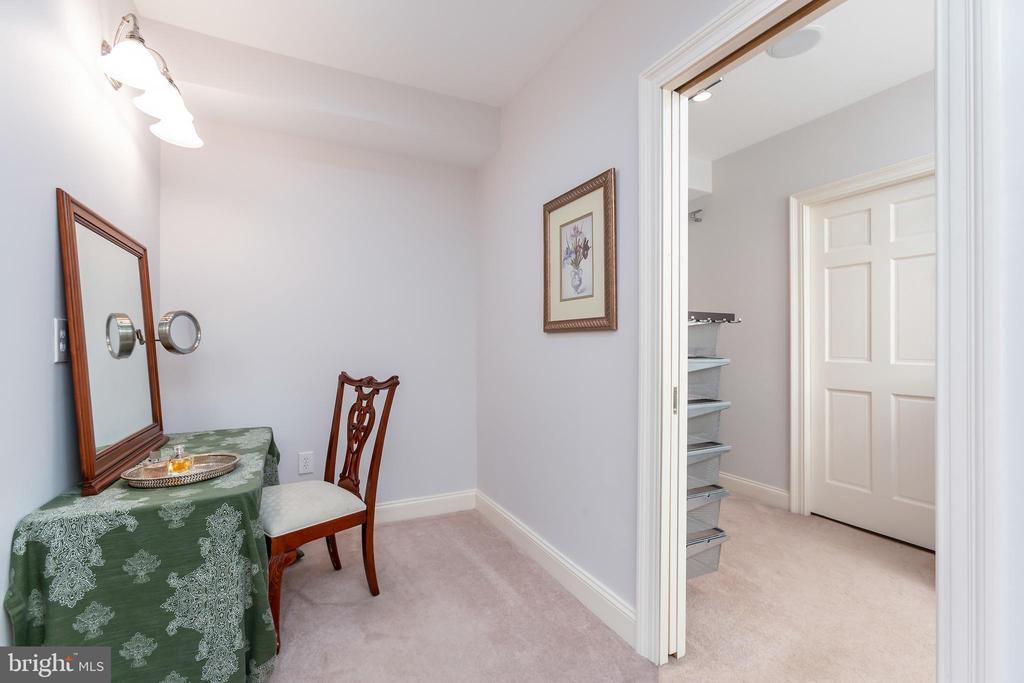 Suite Dressing Room - 6014 GROVE DR, ALEXANDRIA