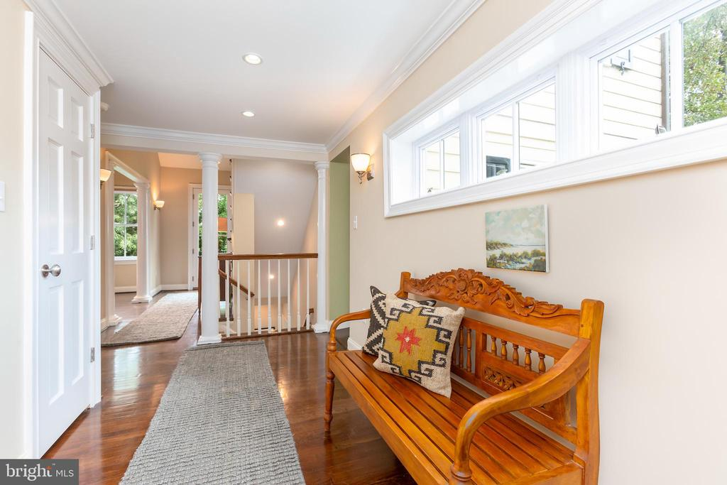 Custom Architectural Features Throughout - 6014 GROVE DR, ALEXANDRIA