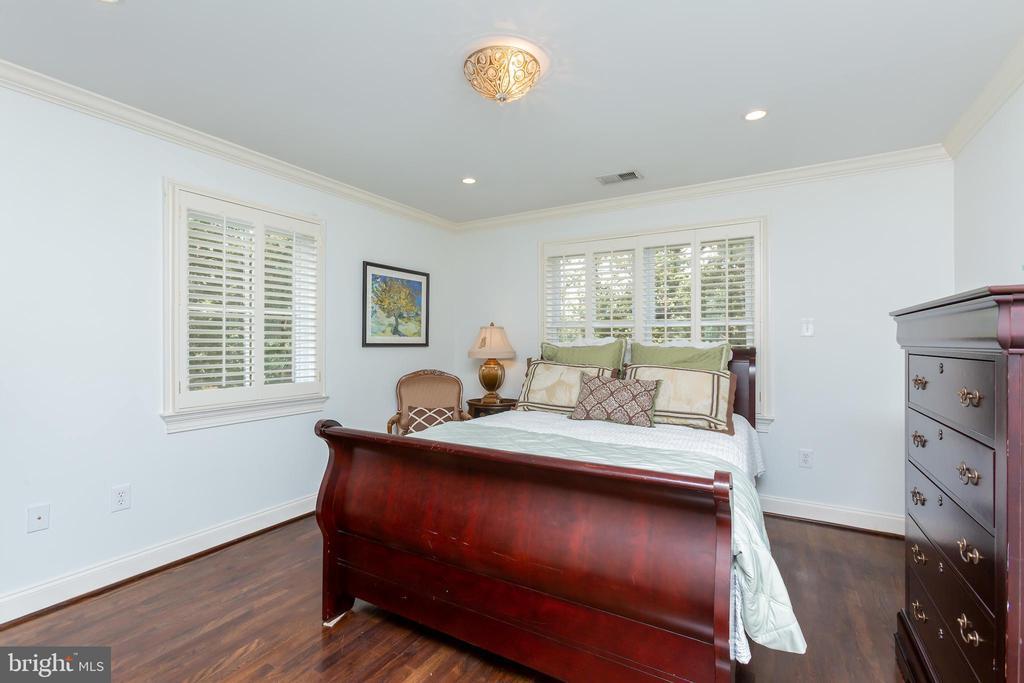 Bedroom En Suite - 6014 GROVE DR, ALEXANDRIA