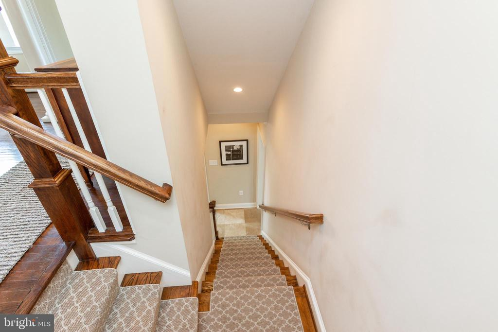 Staircase to Lower Level - 6014 GROVE DR, ALEXANDRIA