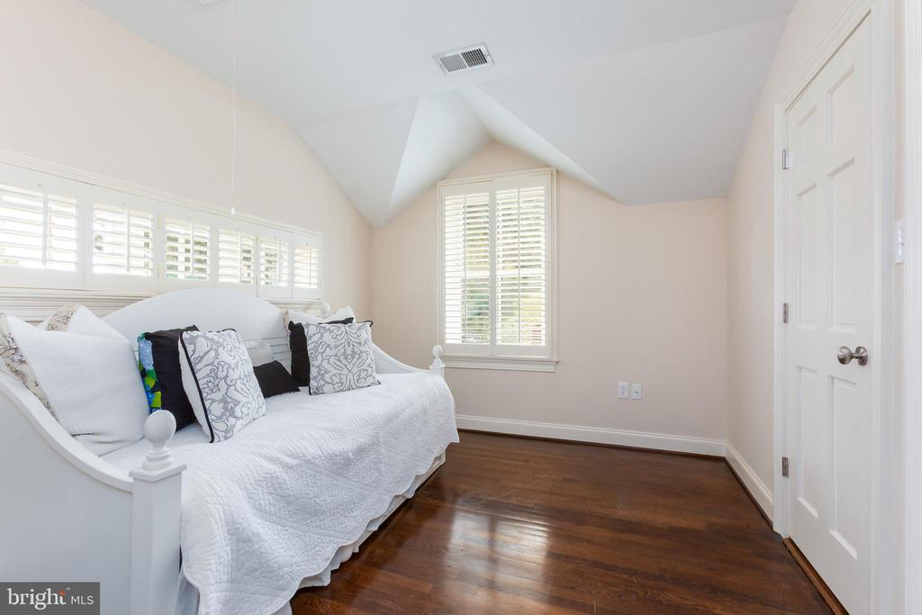 Bedroom or Dressing Room for Master Suite Option - 6014 GROVE DR, ALEXANDRIA