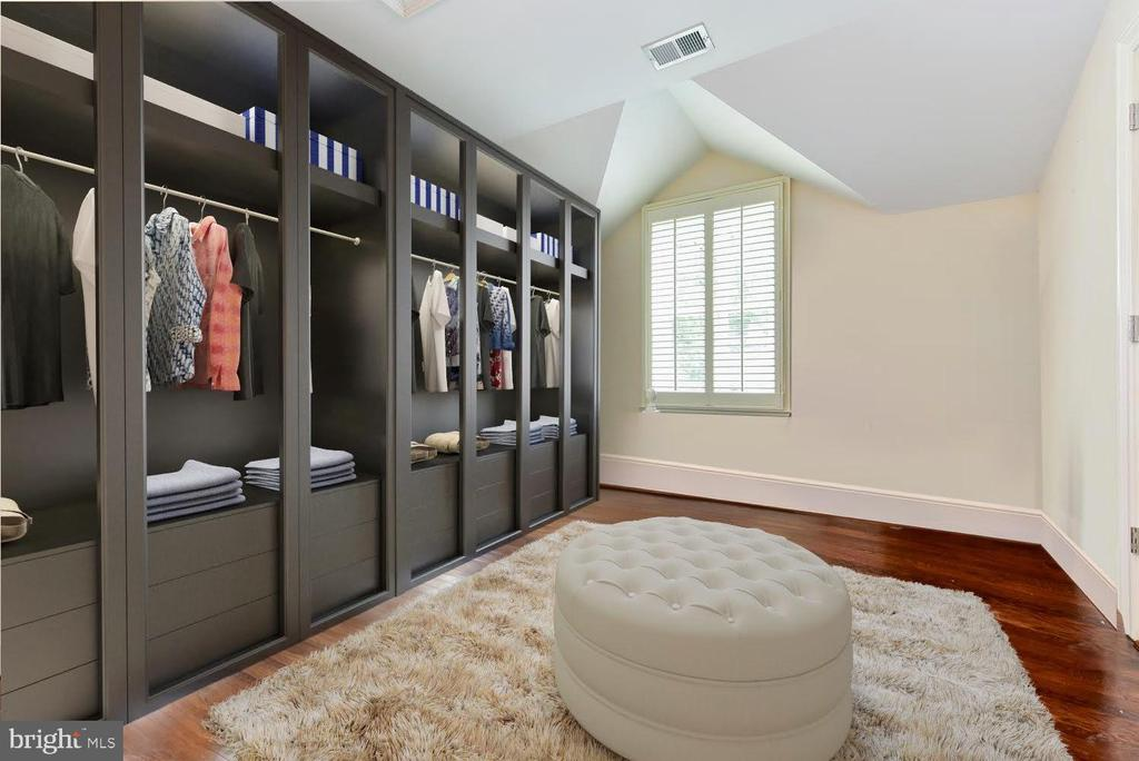 Dressing Room Option for Master Suite (Rendering) - 6014 GROVE DR, ALEXANDRIA