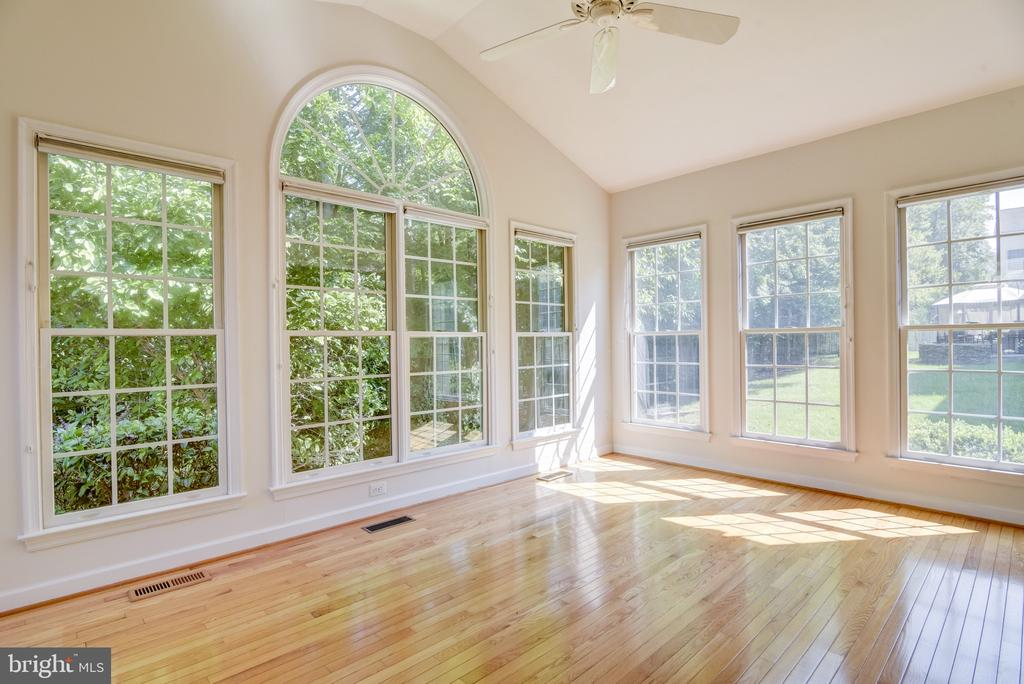 Picture the view in all 4 seasons! - 7428 SPRING SUMMIT RD, SPRINGFIELD