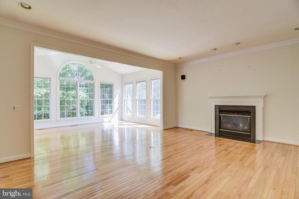 Hardwood flooring  throughout the main level - 7428 SPRING SUMMIT RD, SPRINGFIELD