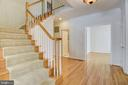 Open stairway to bedroom level - 7428 SPRING SUMMIT RD, SPRINGFIELD