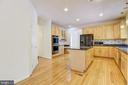Plenty of cabinets & counter space - 7428 SPRING SUMMIT RD, SPRINGFIELD