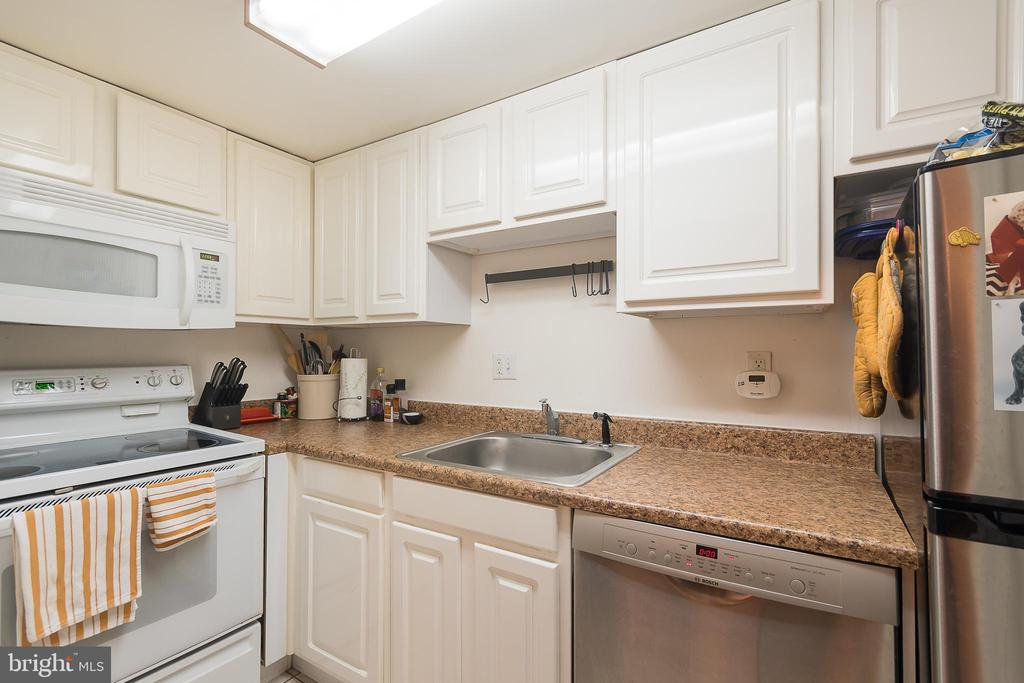 2nd kitchen in lower level apartment - 1313 CORCORAN ST NW, WASHINGTON