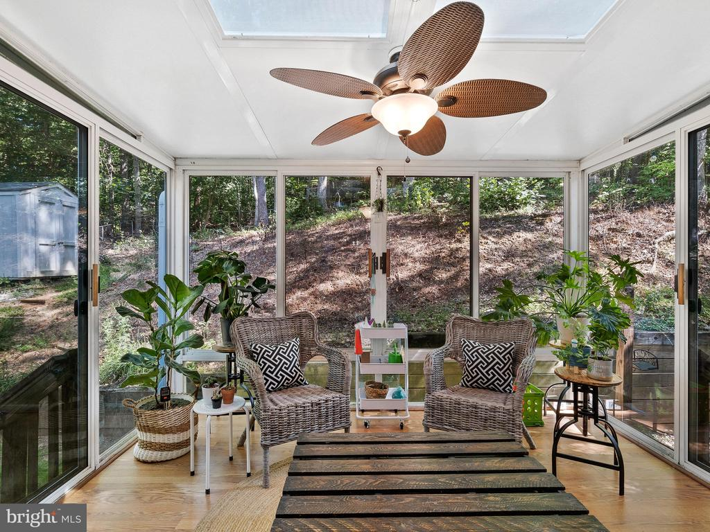Lovely Sun Room - 2136 HARPOON DR, STAFFORD