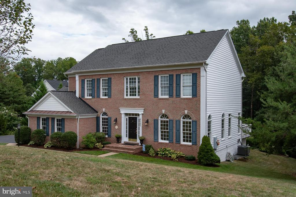 Front View - 9185 MAROVELLI FOREST DR, LORTON