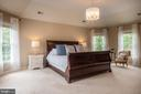 Very inviting space - 9185 MAROVELLI FOREST DR, LORTON