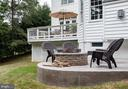 Side deck with firepit - 9185 MAROVELLI FOREST DR, LORTON