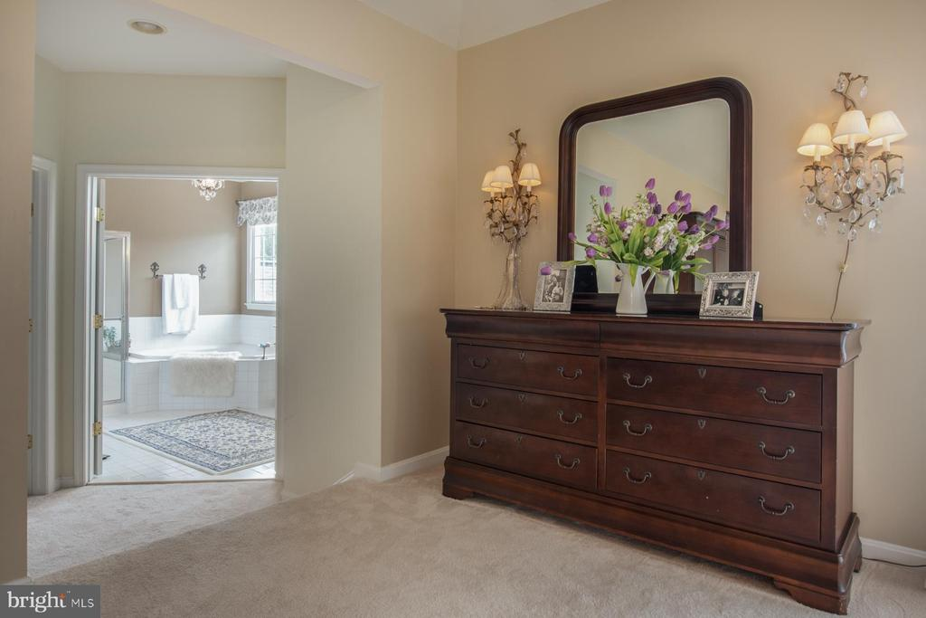 Other view of Master bedroom - 9185 MAROVELLI FOREST DR, LORTON
