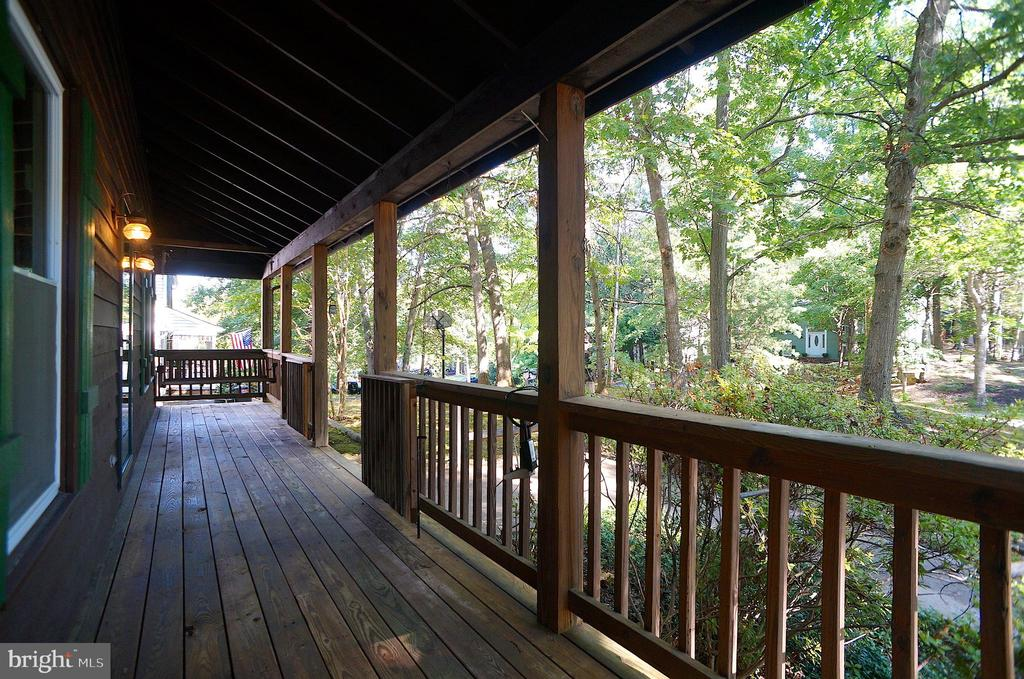 Covered Front Porch (34'x6') - 3029 MEDITERRANEAN DR, STAFFORD