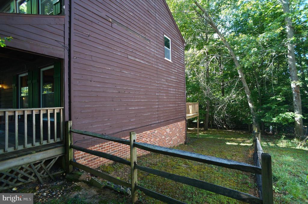 Cedar Lap Siding & Brick Watertable - 3029 MEDITERRANEAN DR, STAFFORD