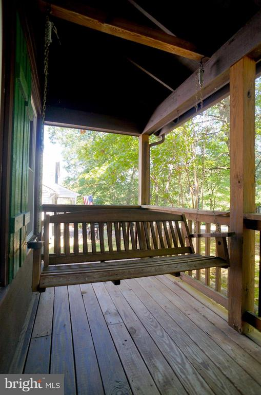 Porch Swing - 3029 MEDITERRANEAN DR, STAFFORD
