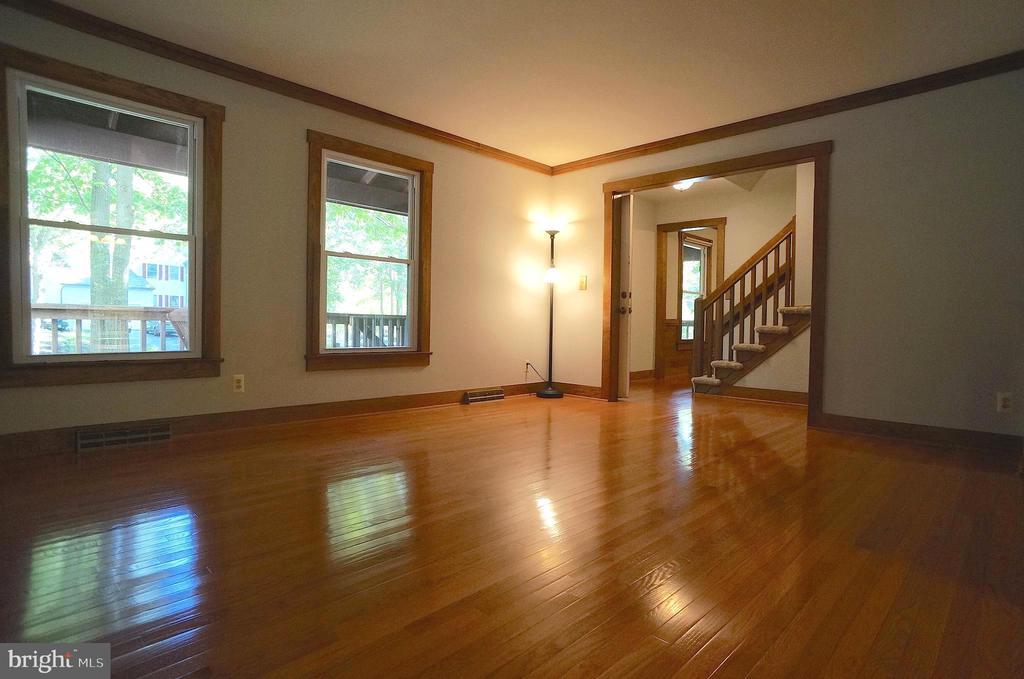 Living Room to Foyer - 3029 MEDITERRANEAN DR, STAFFORD