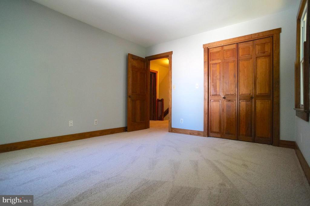 Bedroom 2 has 73