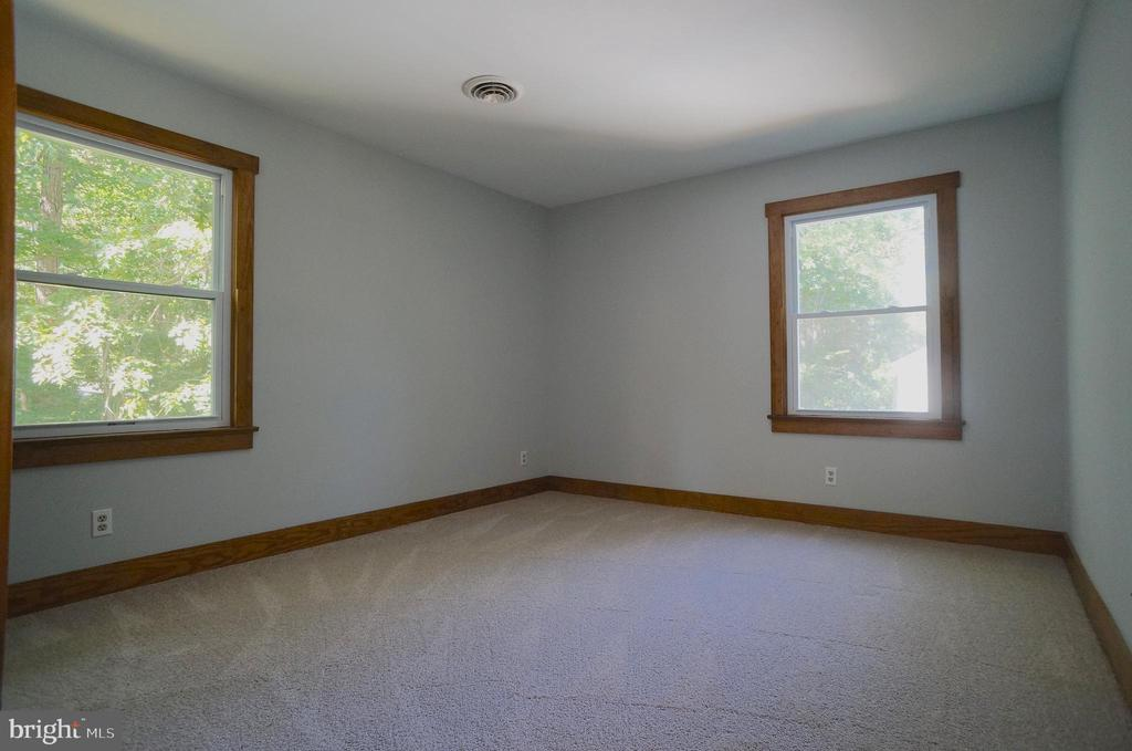 Bedroom 2 has NEW Carpet - 3029 MEDITERRANEAN DR, STAFFORD