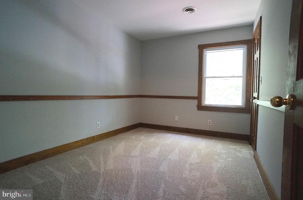 Bedroom 4 has NEW Carpet & Chair Rail - 3029 MEDITERRANEAN DR, STAFFORD