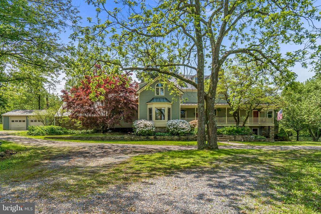 Welcome to BuckSkin Manor - 13452 HARPERS FERRY RD, HILLSBORO