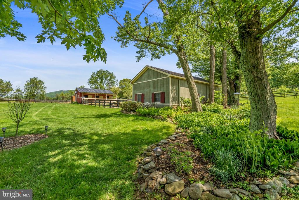 Amazing Country Setting View - Cottage / Barn - 13452 HARPERS FERRY RD, HILLSBORO