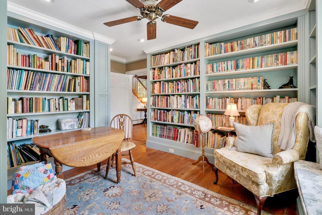 Library with Built-In Bookshelves - 13452 HARPERS FERRY RD, HILLSBORO