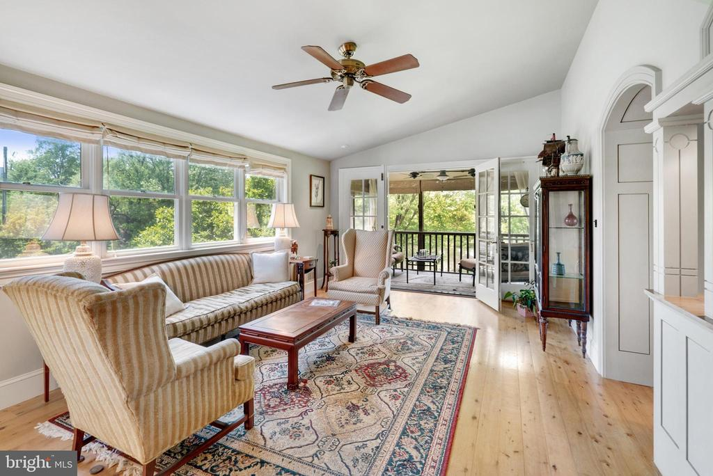 2nd Main Level Family Room - In Law Suite - 13452 HARPERS FERRY RD, HILLSBORO