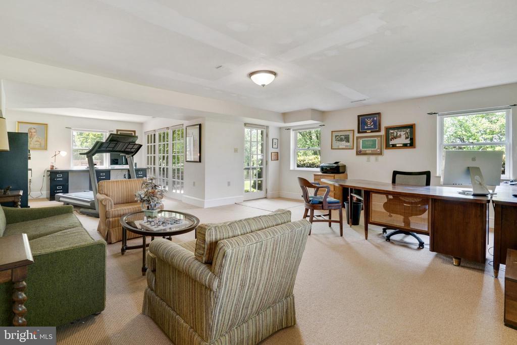 Lower Level Family Room / Office / Exercise Room - 13452 HARPERS FERRY RD, HILLSBORO