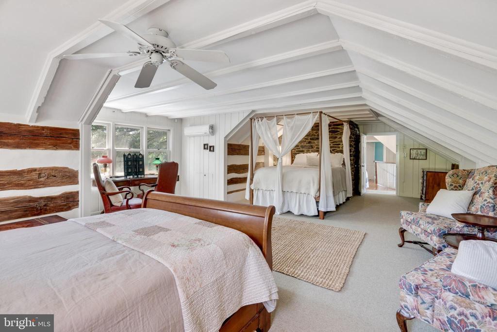 Upper Level Master Bedroom - 13452 HARPERS FERRY RD, HILLSBORO