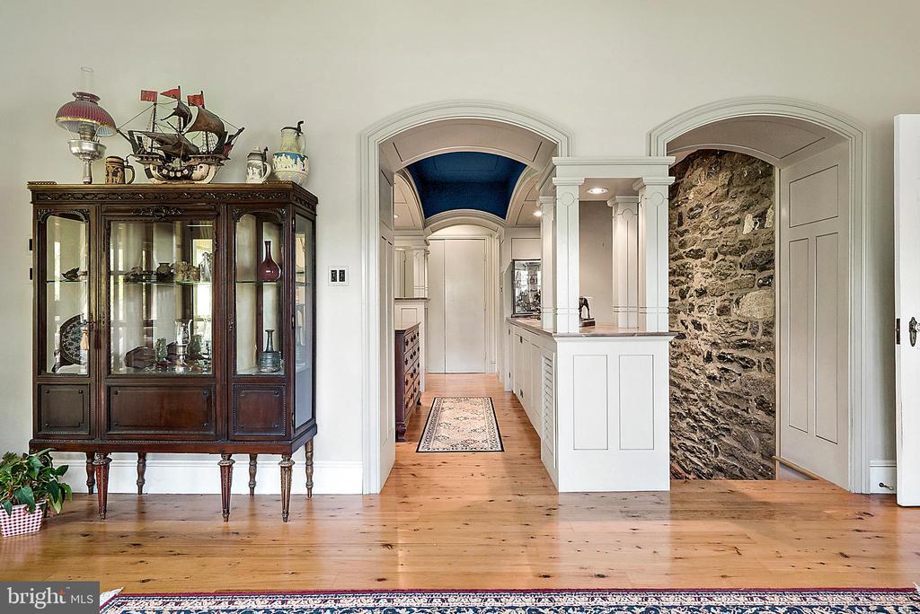 In Law Suite Leading to Main Floor Master - 13452 HARPERS FERRY RD, HILLSBORO