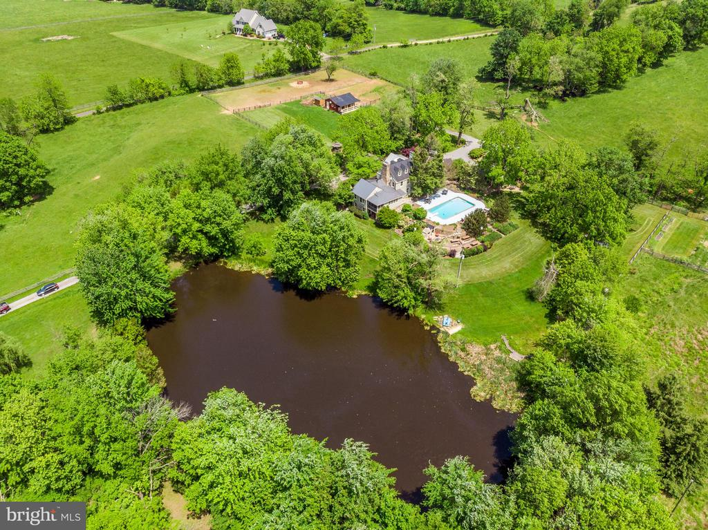 Aerial View - Main House & Pond - 13452 HARPERS FERRY RD, HILLSBORO
