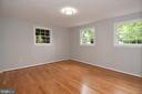 Fourth bedroom / lower level guest suite - 5024 PORTSMOUTH RD, FAIRFAX