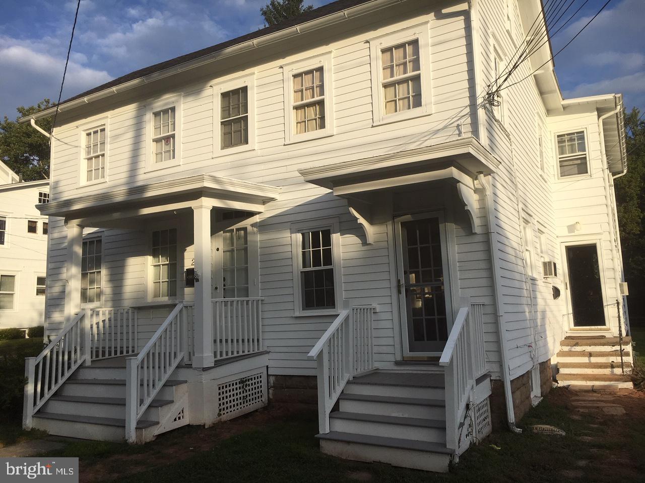 Duplex Homes للـ Sale في Hopewell, New Jersey 08525 United States