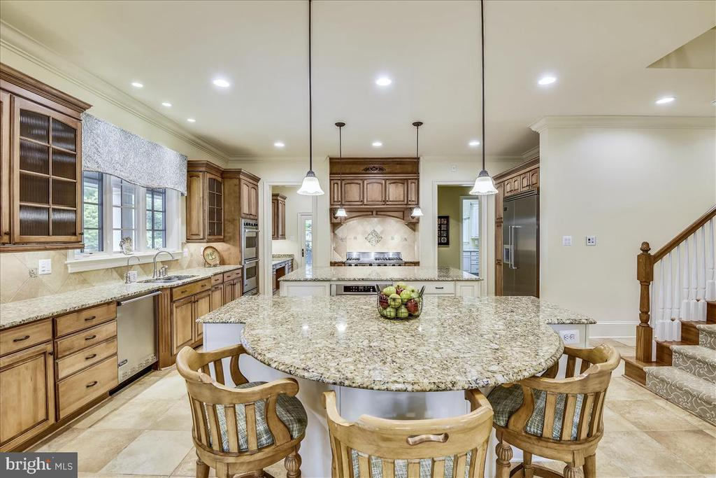 Two Islands in this Gourmet Kitchen - 12056 OPEN RUN RD, ELLICOTT CITY