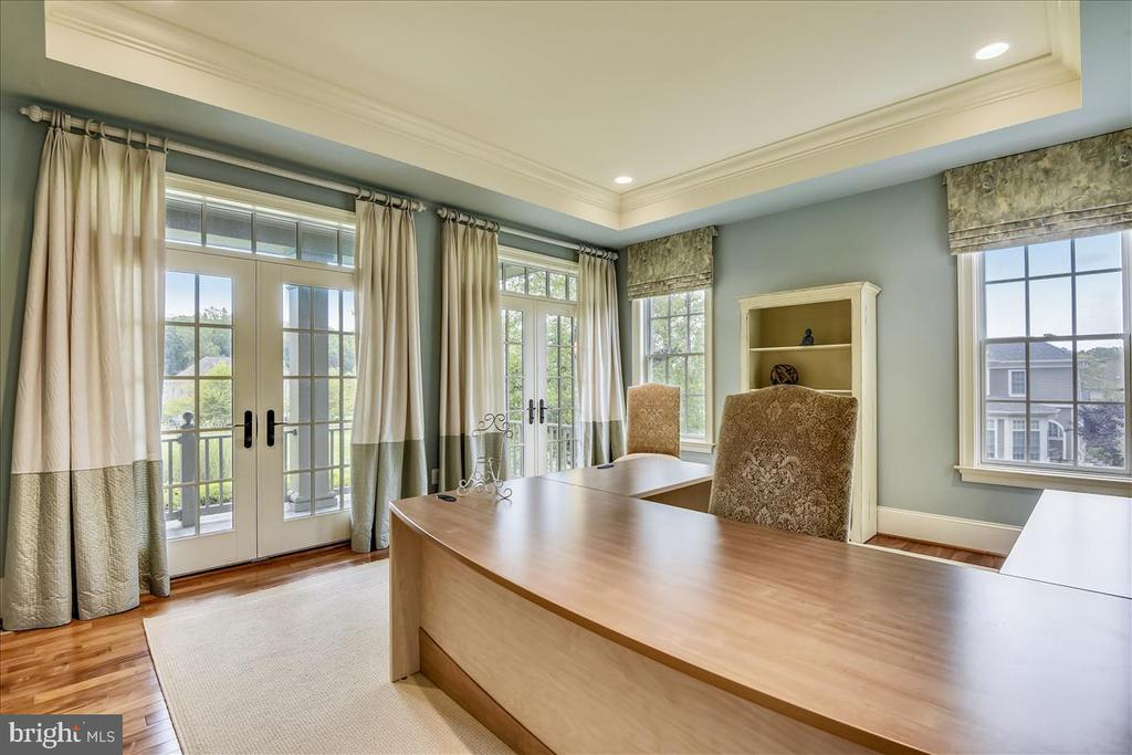 Spacious and light filled front office - 12056 OPEN RUN RD, ELLICOTT CITY