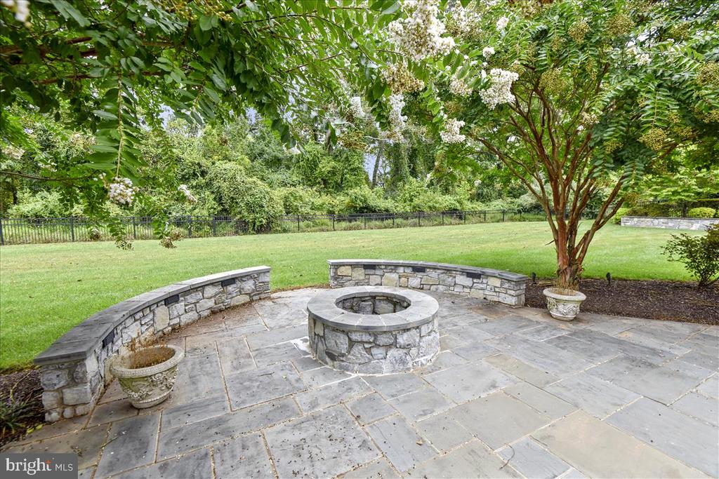 Patio with fire pit - 12056 OPEN RUN RD, ELLICOTT CITY