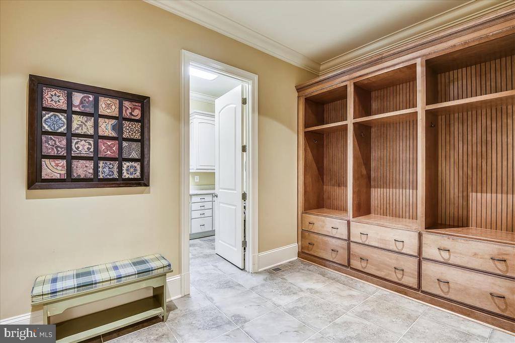 Mudroom with access to laundry and kitchen - 12056 OPEN RUN RD, ELLICOTT CITY