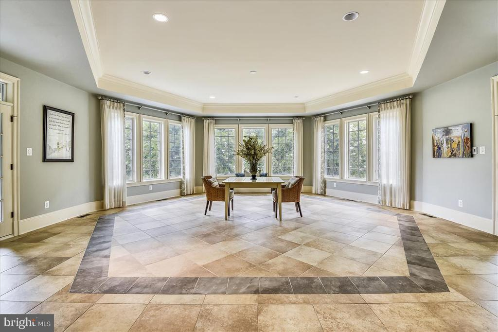 Beautiful Sun Room with access to side patio - 12056 OPEN RUN RD, ELLICOTT CITY