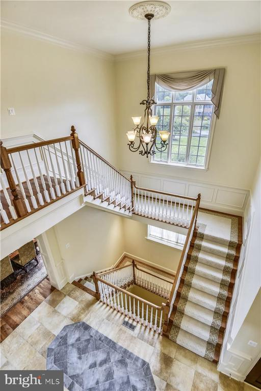 Overview of the staircase - 12056 OPEN RUN RD, ELLICOTT CITY