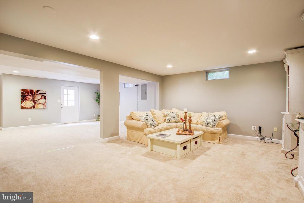 Large, open basement - 47771 BRAWNER PL, POTOMAC FALLS