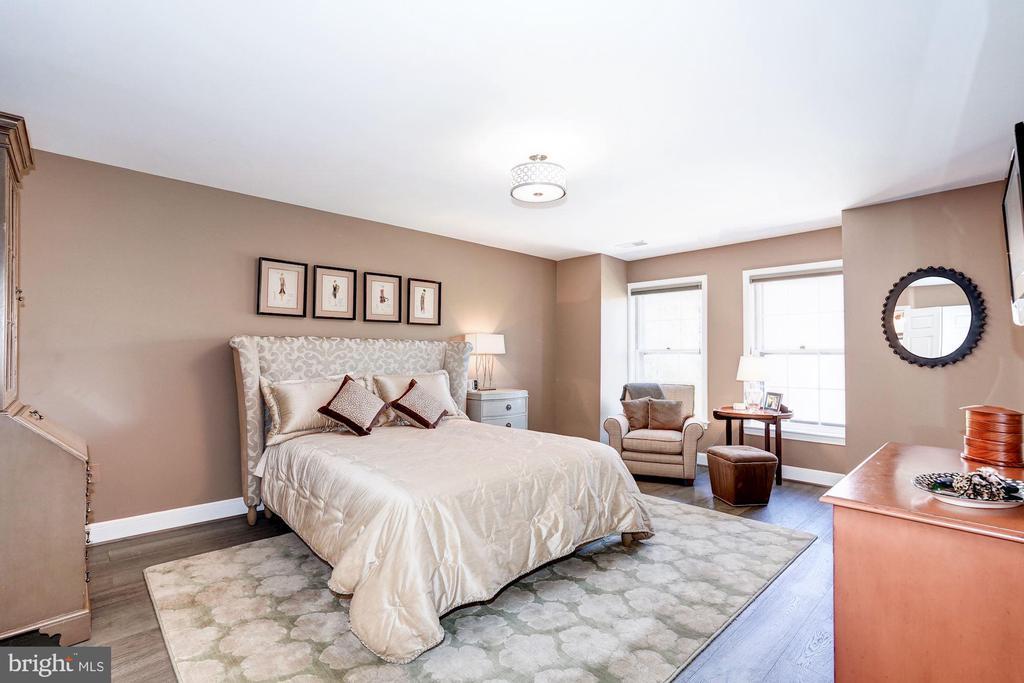 Spacious Master Bedroom - 3624 WINFIELD LN NW, WASHINGTON