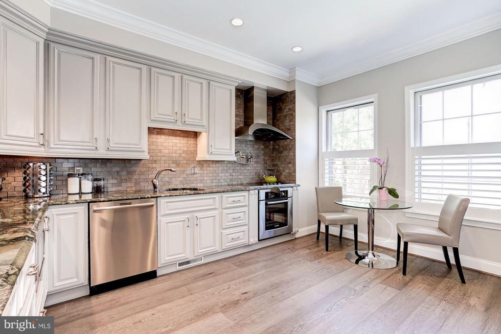 Kitchen - 3624 WINFIELD LN NW, WASHINGTON