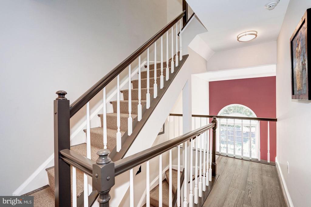 2nd Level Hallway - 3624 WINFIELD LN NW, WASHINGTON