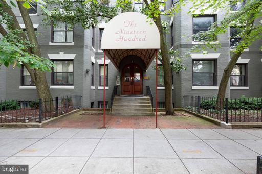 1900 S ST NW #302
