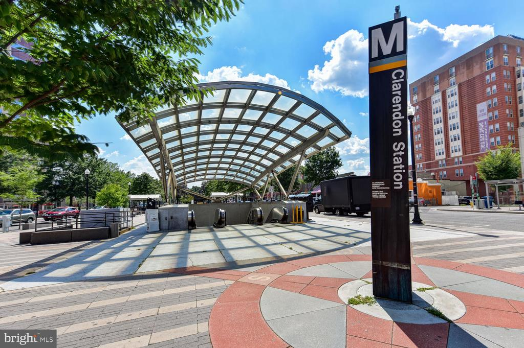 Just 3 blocks to Clarendon Metro Station! - 1021 N GARFIELD ST #410, ARLINGTON