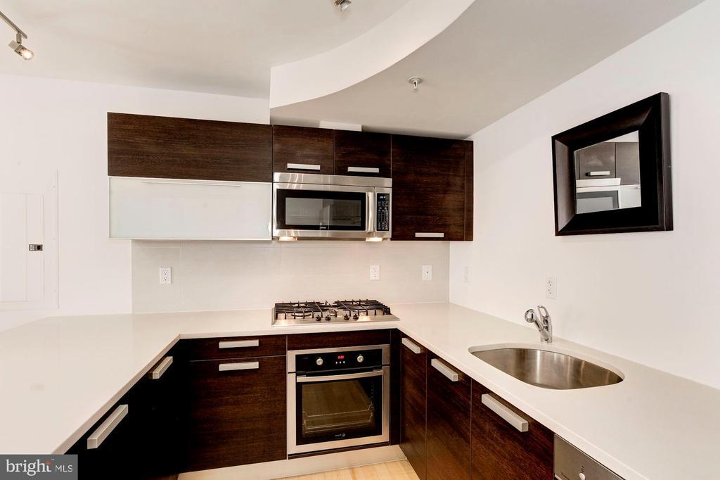 Bosch gas range + Fagor electric oven. - 1466 HARVARD ST NW #2B, WASHINGTON